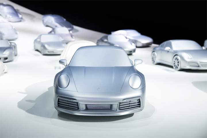 The dream car is the starting point for a group of 28 silver models in 1:3 scale.